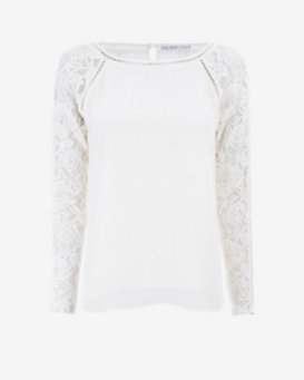 Chelsea Flower EXCLUSIVE Lace Blouse