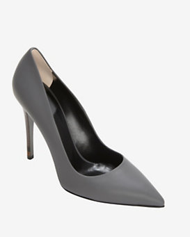 Fendi Pointy Toe Leather Pump: Grey