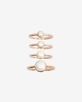 Eddie Borgo Cabochon Pearl Stackable Ring Set: Rosegold