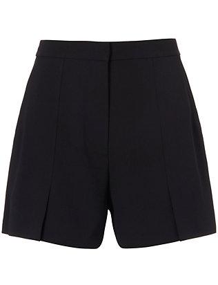 Flutter Crepe Shorts: Black